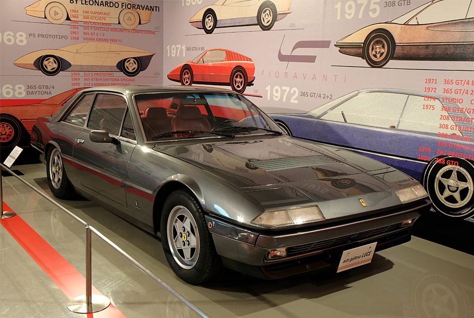 4582 フェラーリ 400i 960×645
