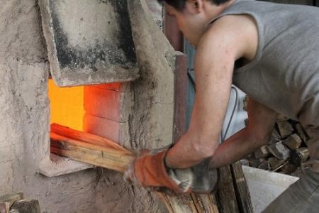 鳴瀧窯 窯焚き中