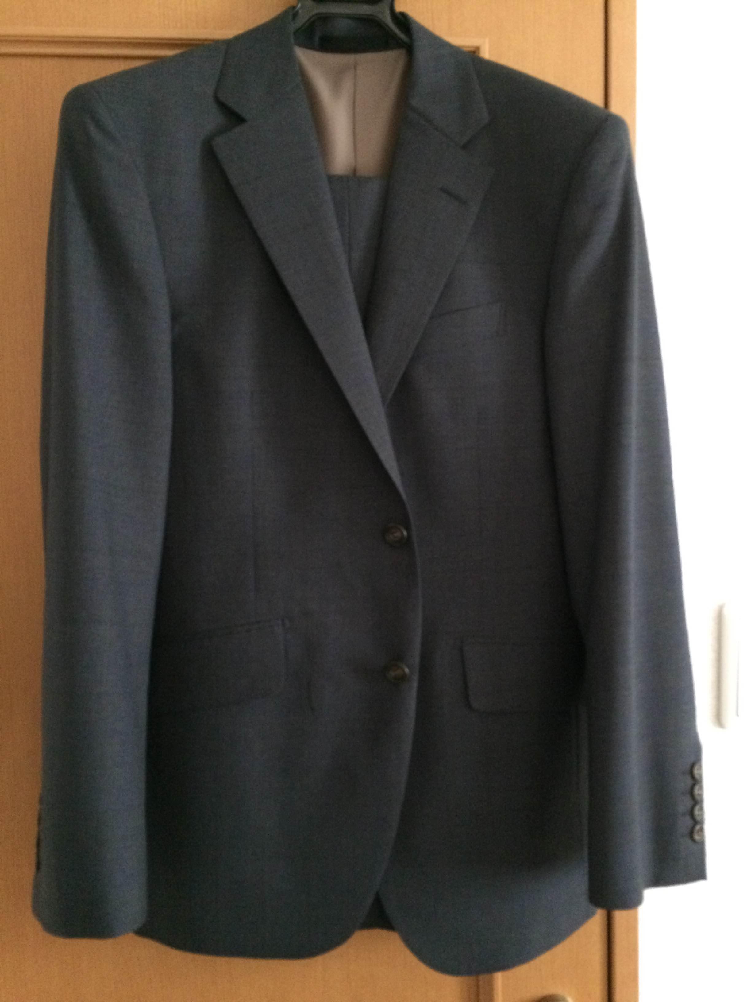ハナビシのスーツ1