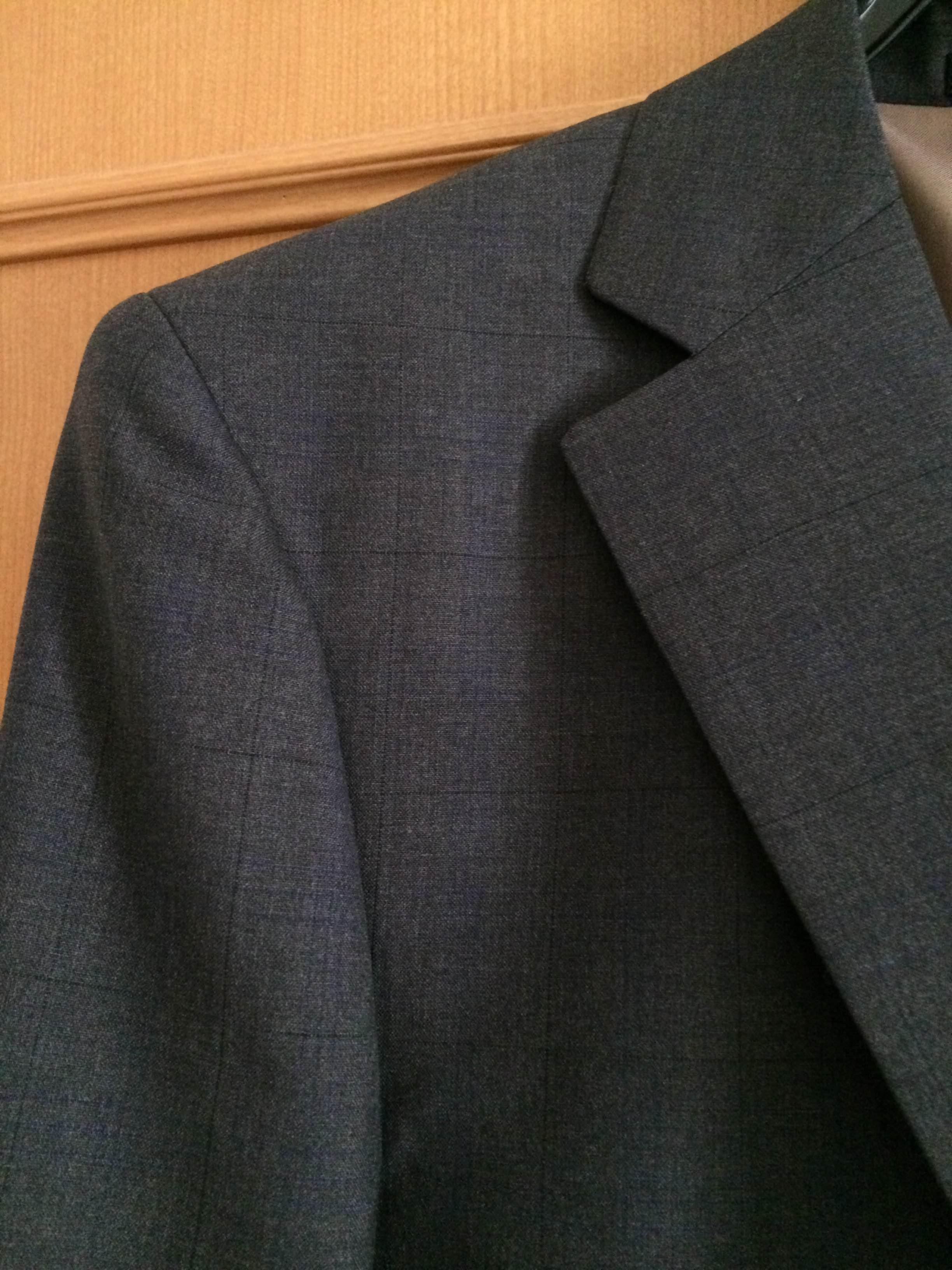 ハナビシのスーツ2