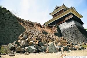 地震後の戌亥櫓