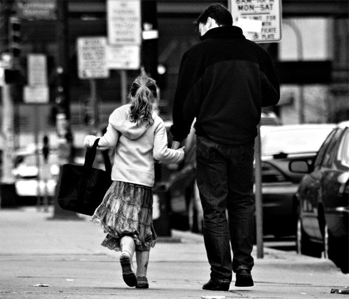 散歩 父 娘