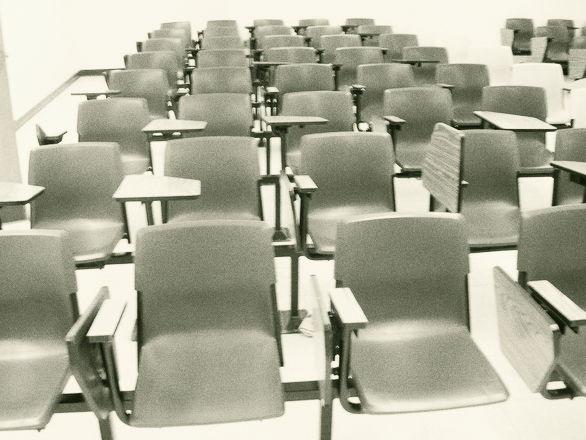 教室 椅子 学校