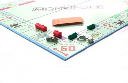 モノポリー ゲーム 投資