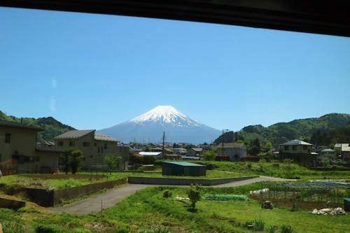 IMG_6747  車窓 富士山 2