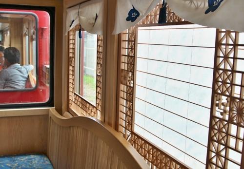 IMG_9471  格子の窓