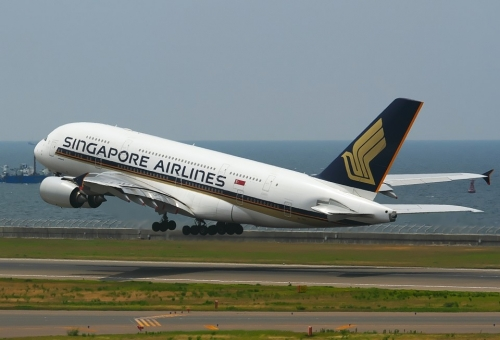 IMG_0407 シンガポールA380