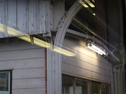 IMG_7848  駅舎 電灯