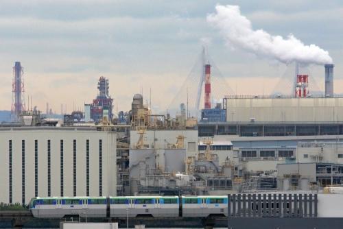 IMG_2466 白い煙と東京モノレール