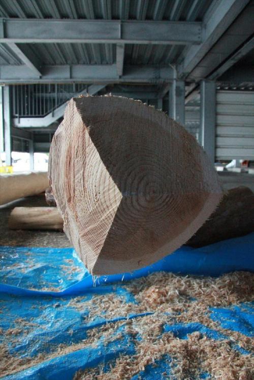 木造り0709_先端部分の三角錐