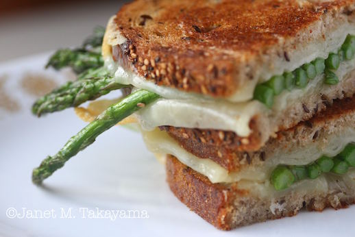 grilled cheese w asparagus2