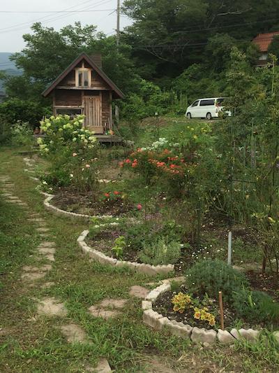 小屋通路草刈り