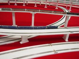 総延長640メートルを誇るシャングリラ鉄道レイアウトです。
