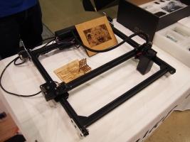 FABOOL LASER Min・卓上型iレーザー加工機です。
