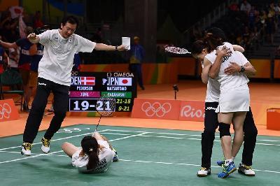 badmintongold2.jpg