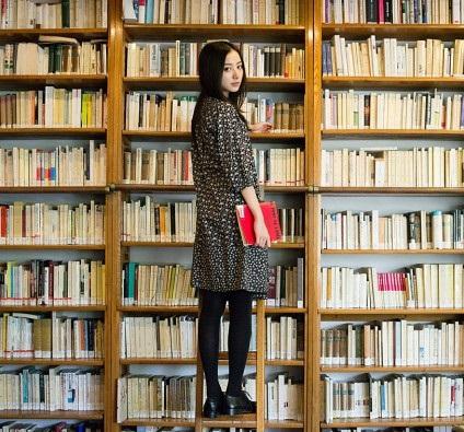 読書 女性 7