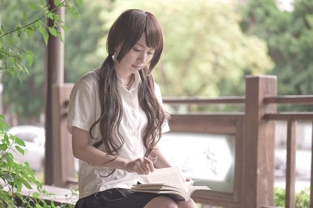 読書 女性 3