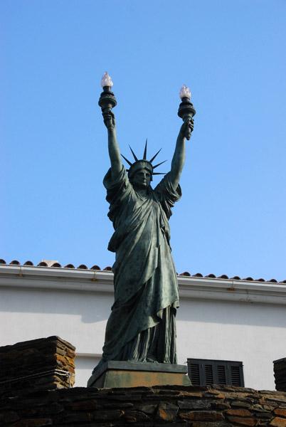 自由の女神 ダリ
