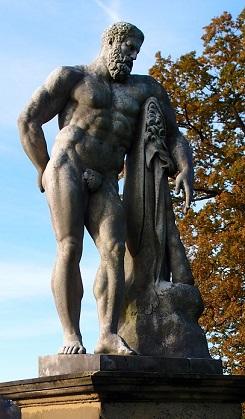 ヘーラクレース像