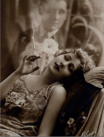 1920s_art_deco_woman_smoking_postcard-r7fe9ce73d15d47d4a97a3b14c7989346_vgbaq_8byvr_512.jpg