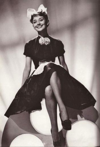 audrey-h-laughter-in-paradise_512.jpg