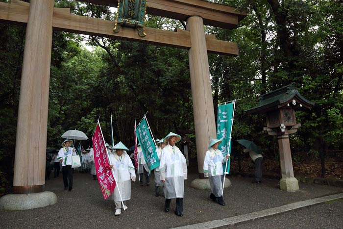 率川神社 ササユリ奉献2