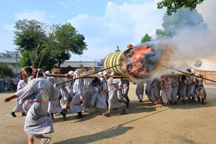 ホーランヤ火祭り1
