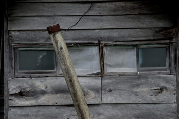 サイロの横の家