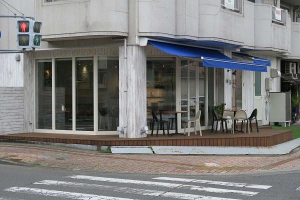 カフェ エコル