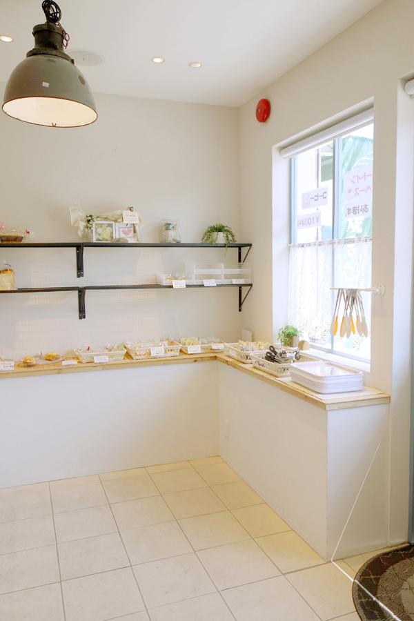 (アトリエ ブランシュ) 4/パン屋さんの素敵な店舗内装写真 爽やかな白とブルー/博多東比恵