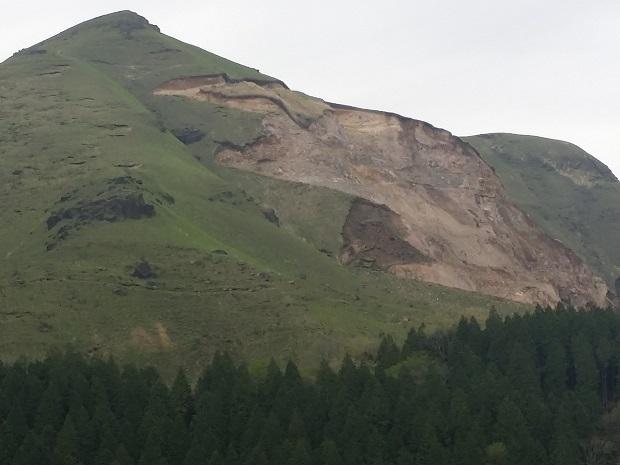 阿蘇の山道4