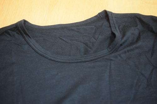 問題は黒シャツ