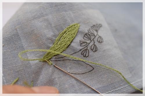 ハンカチ刺繍