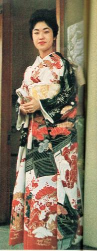 島津貴子さんレッド