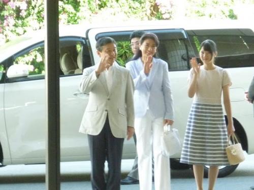 Japan-Royals-1.jpg
