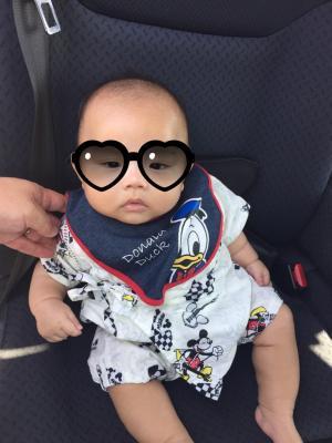 赤ちゃんと座席シート
