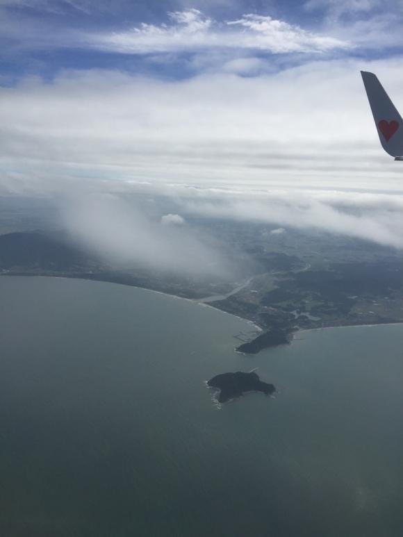 空からの海辺の景色 島