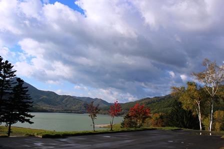 かなやま湖 紅葉