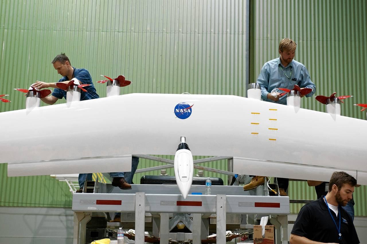 NASA電動飛行機