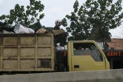 トラックの荷台 (1)