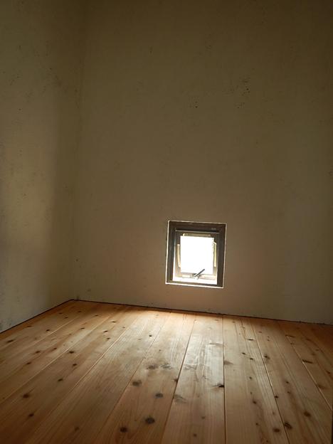 宮古島 新築 杉材 内装 床張り 納戸