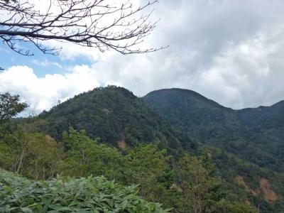 高原山の主峰の一つー釈迦ヶ岳