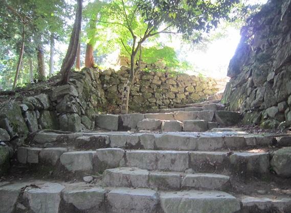 安土城 天守閣への石段