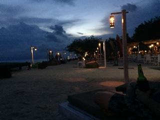 海岸沿い(夜)