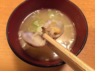 味噌汁のアサリ