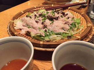 桜山豚とレタスのざる蒸し