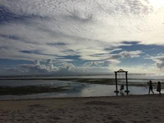 引き潮のビーチ