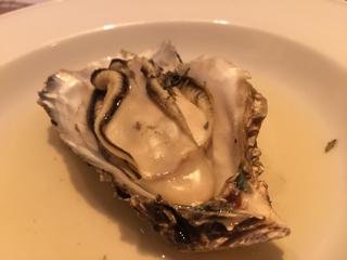 野菜のブロードで蒸した牡蠣