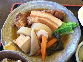 煮付け(てびち・ソーキ・ラフテー)