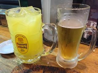 生ビールとメガサイズのシークワーサーサワー